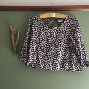 UO Pins and Needles M cropped floral blouse